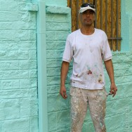 """'hast du Feuer?' """"Ja, hast du eine Zigarette?"""" 'Ja, rauchen wir eine' """"Ok; ich male grade das Haus, magst du mich fotografieren..?'"""